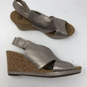 Clarks Collection Silver Wedge Sandals Size 8M Z